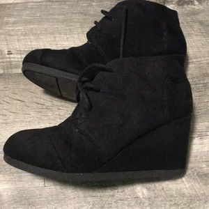 Other - Girls high heel suede boots